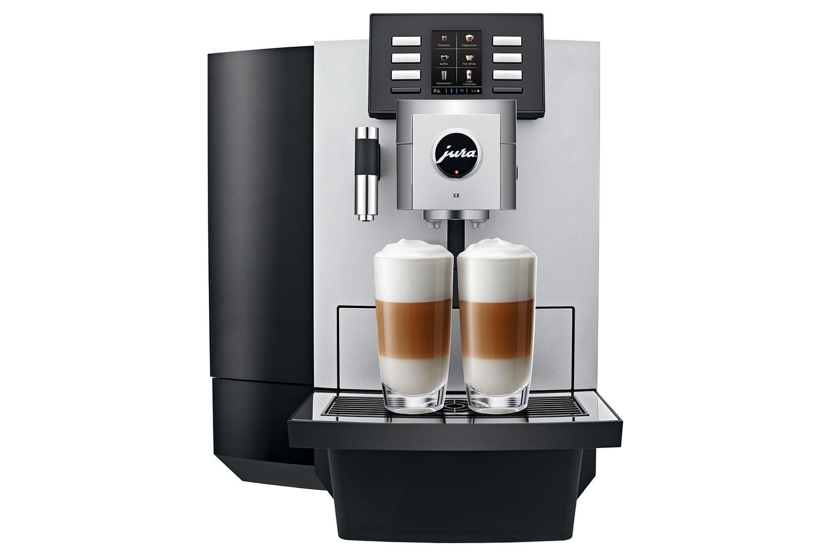 De Jura X8 maakt volautomatisch een latte macchiato